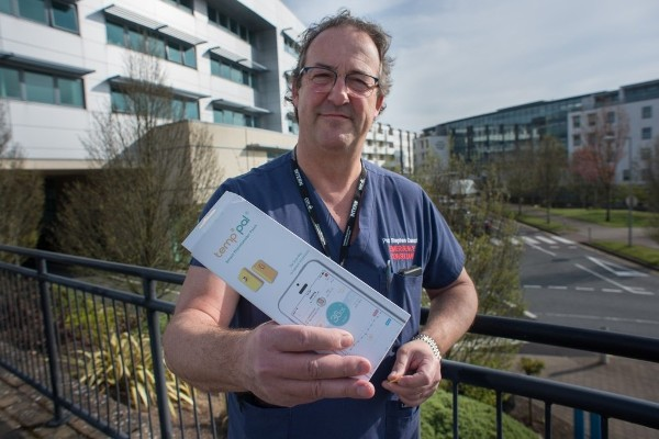 Coronavirus 'game changer' - Healthcare workers could be protected by a new remote early warning system