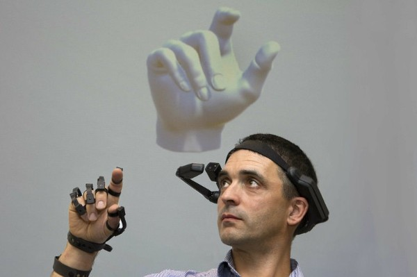 Award-winning Smart Glove heading to CES