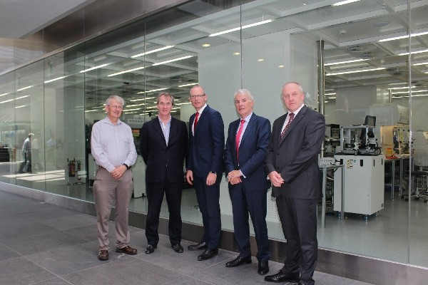 Tyndall Welcomes An Tánaiste & Minister for Foreign Affairs and Trade Simon Coveney, TD to our research institute