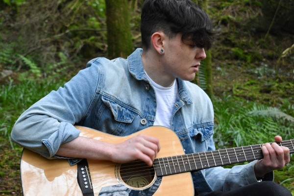 Tyndall Hidden Talents: Meet Ross O'Halloran, Research Intern and Singer Songwriter